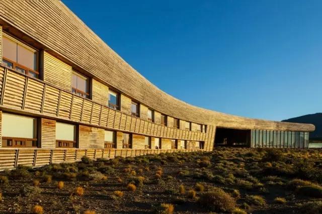 看看这个乡野酒店,才知道木头原来这么美!