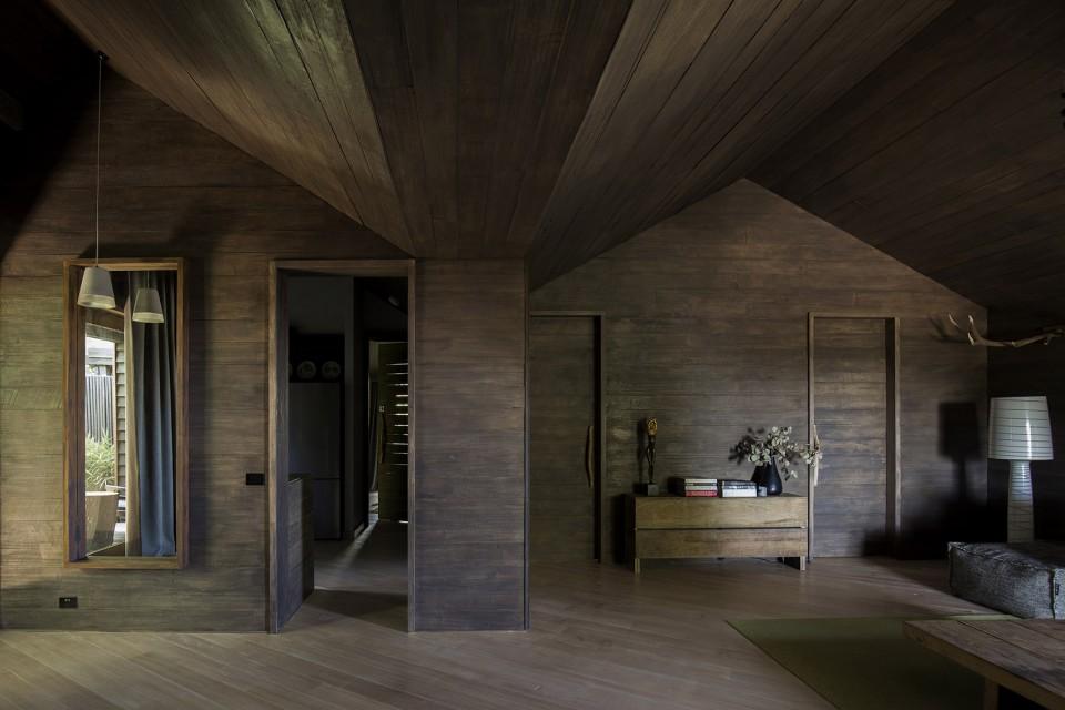 内部空间挑高的天花板