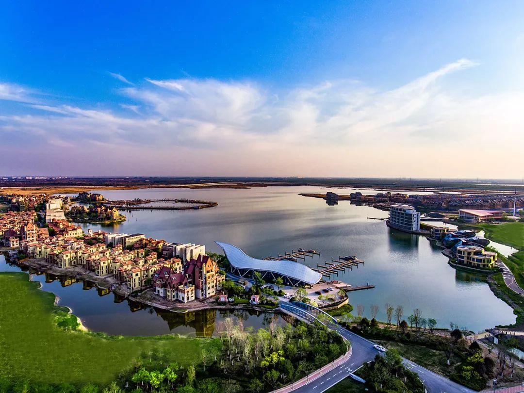 天嘉湖湖居生态风景区是天津市专为湖居生态风景所打造的八大景区之一